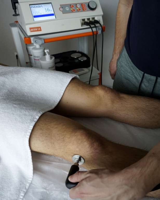 Esguince-de-rodilla-fisioterapia-angel-araque
